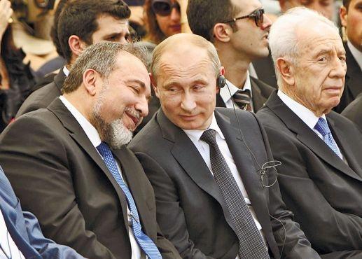 האם ליברמן מרגל לכאורה ? GOOGLE חושב שכן Putin-liberman-2